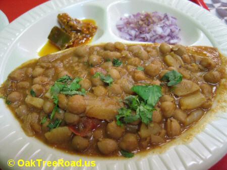 Cafe Royal Paan Amritsari Chole image © OakTreeRoad.us