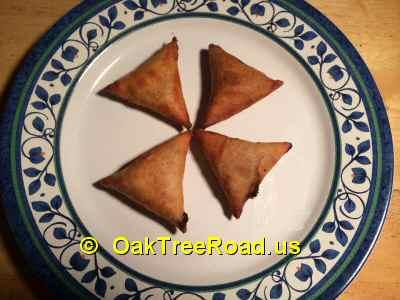 Deep Paneer Chilli Samosa image © OaktreeRoad.us