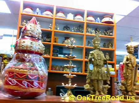 Hindu God Idols image © OakTreeRoad.us